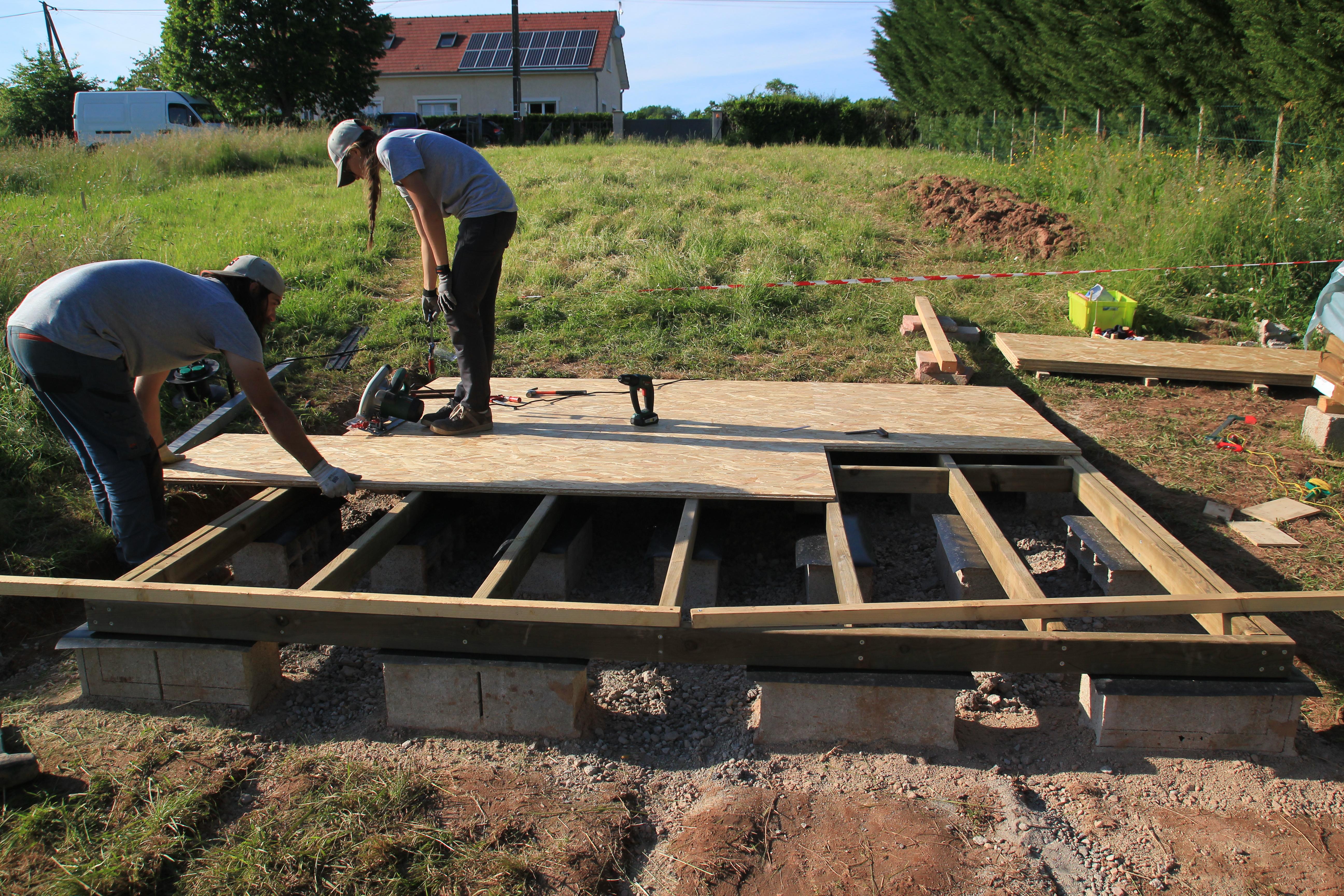 Fondations et dalle bois suite et fin abri de jardin comme un pingouin dans le d sert - Un abri de jardin est il imposable ...