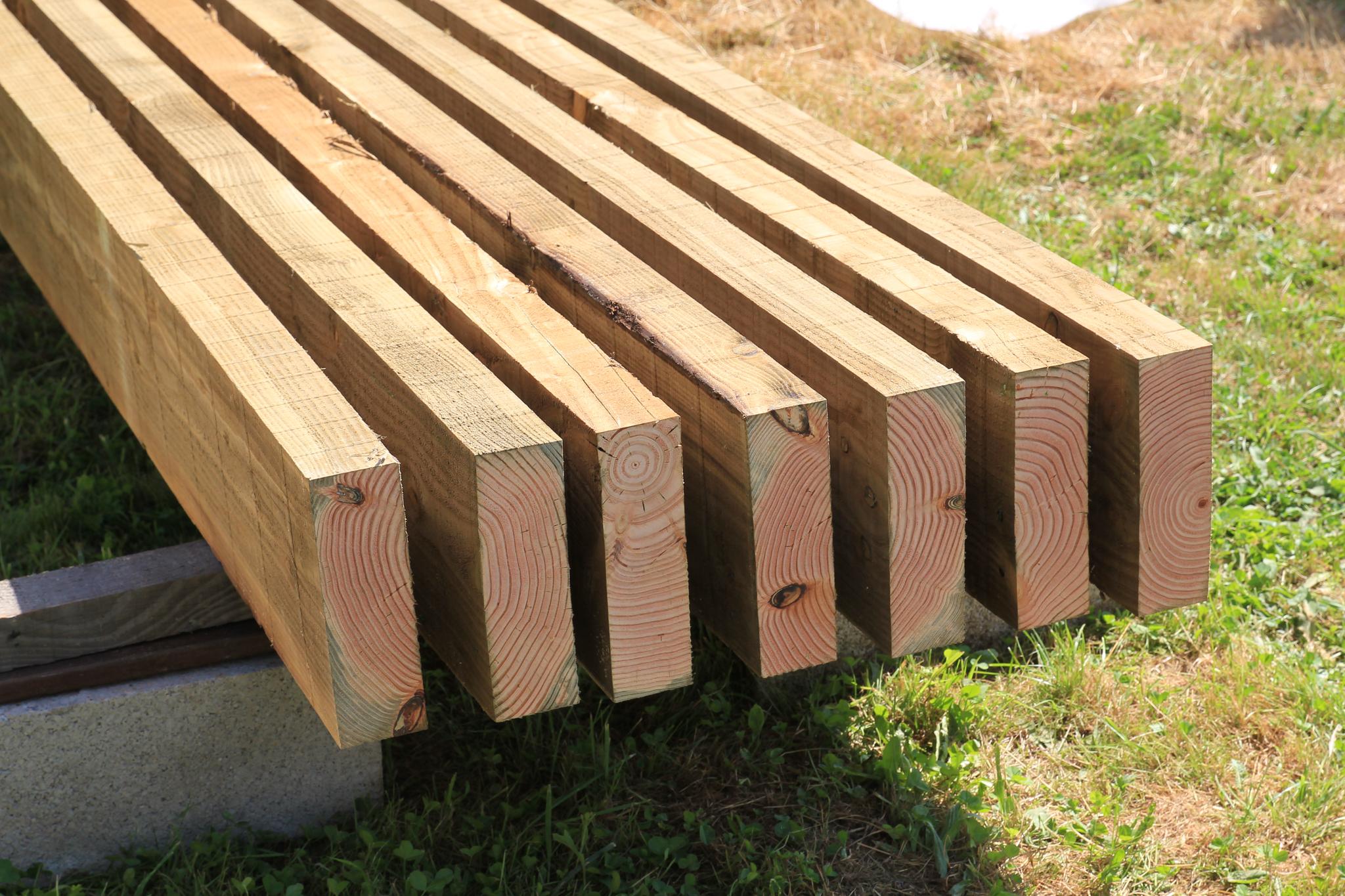 traitement des d coupes de bois comme un pingouin dans. Black Bedroom Furniture Sets. Home Design Ideas