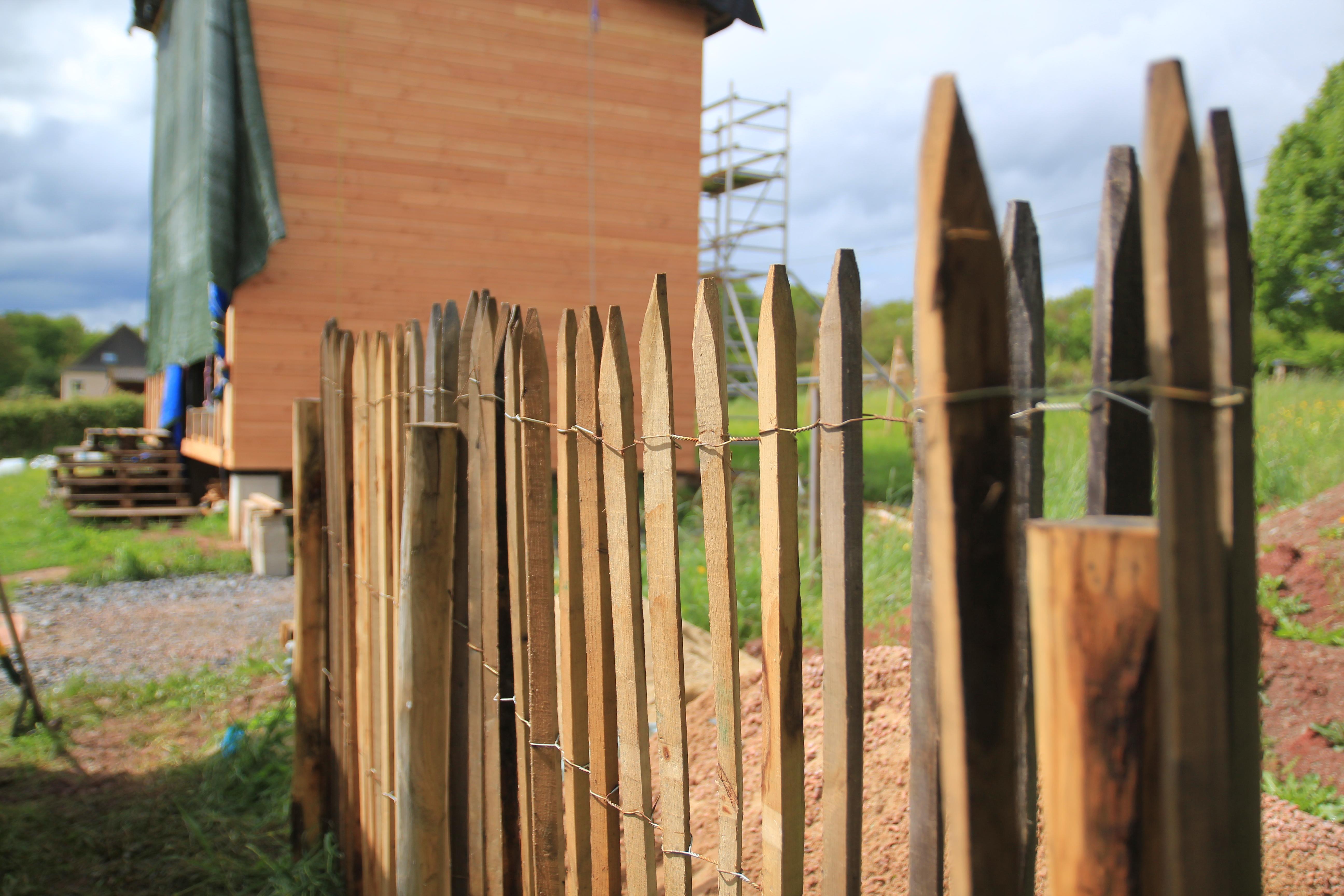 Brise Vue A Faire Soi Meme ganivelle : mise en place d'une clôture brise-vue | comme un