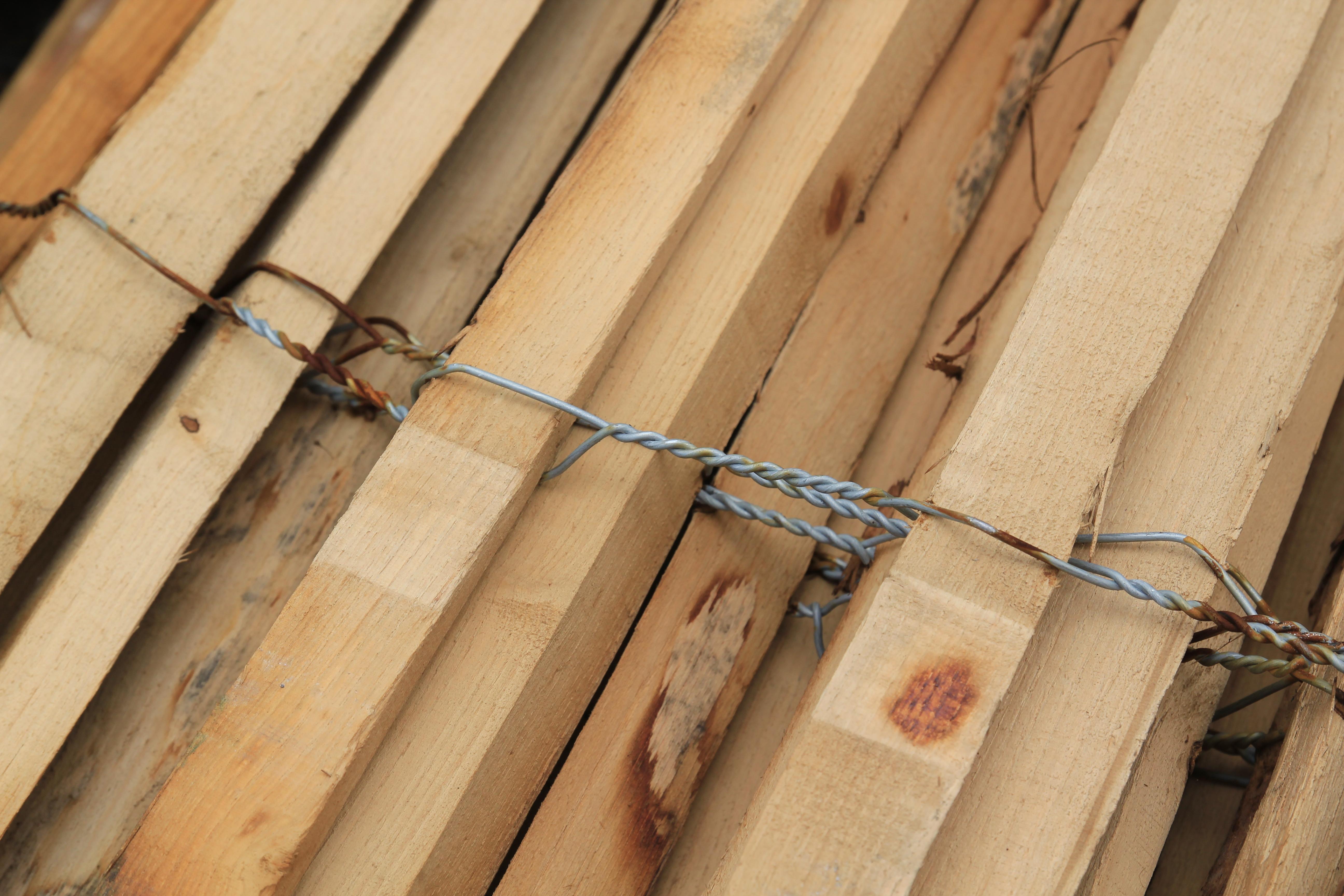 Brise Vue Bois Sur Pied ganivelle : mise en place d'une clôture brise-vue | comme un