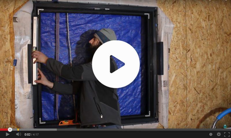 Poser une fenêtre en tunnel sur une ossature bois