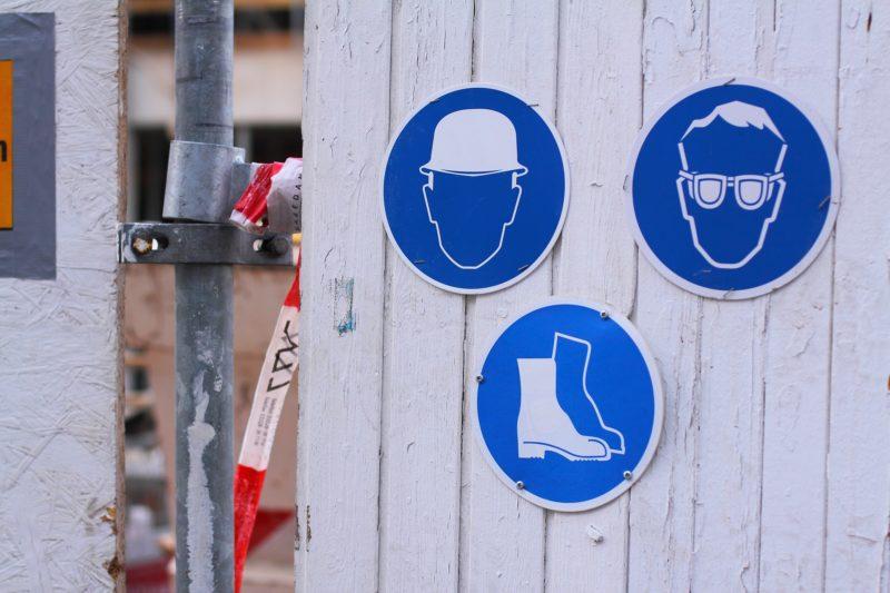 Signaux / Panneau pour protection individuelles obligatoires