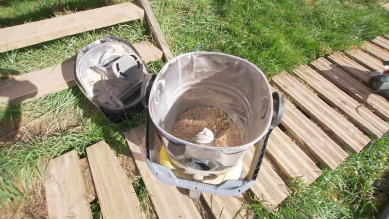 Cuve en inox pour la récupération des poussières