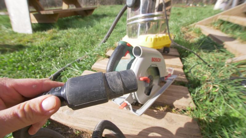 Embout de raccordement de l'aspirateur aux outils