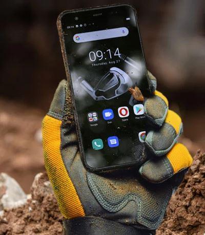 Téléphone portable ultra résistant pour chantier et travaux