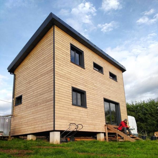 Maisons avec ouvertures au SUD pour les apports solaires