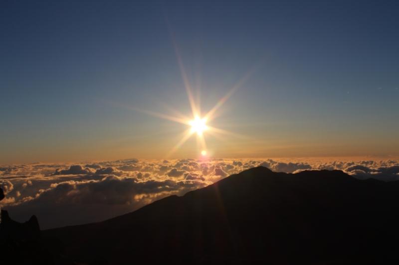 Soleil au dessus des nuages